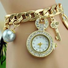 2015 отлично леди плетеный жемчужина ключи от машины кулон цепи алмазов оптовая продажа китай часы