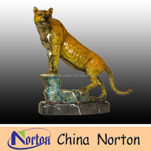 Bronze animal statue--Bronze Big Cat Puma Decoration Statues NTBA-C043C