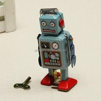 New Arrival Children Vintage Wind Up Tin Toy Clockwork Spring Robot Toy With Key for Kids