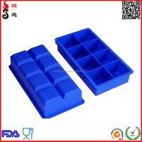 Jumbo Silicone Ice Cube Tray with a Tied On Card Packing or In Single Blister Card Separately Packing