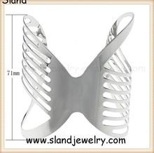 Wholesale High quality Punk cuff bracelet silver Armband wing design filigree cut out metal wide cuff bangle bracelet