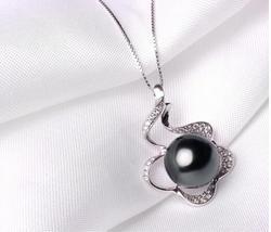 pearl pendant designe/the vintage pearl