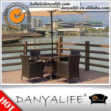 DYDS-D5438 Danyalife Polyrattan Villa cubierta exterior 5 unids juego de comedor