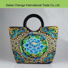 China Cheap Stylish Embroidery Vintage women bag