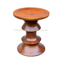 T025 Round table with casters