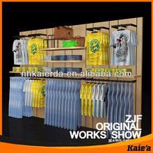 Ropa de moda de la tienda de decoración de diseño, tienda de ropa de diseño