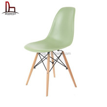 Mordern design Cheap DSW charles eames chair replica with solid wood legs dining plastic chair