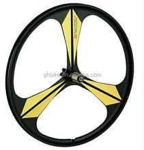 3 spoke bicycle wheel