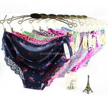 Hot Sale Female Sex Lace G-String Lingerie T-back Thongs Panties Wholesale