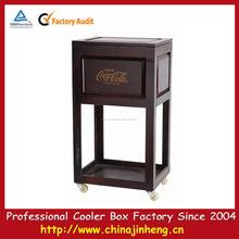 Retro madeira refrigerador madeira barril de vinho