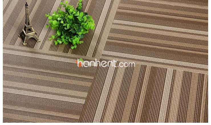Silencioso sob o pé resistência à umidade luxo últimas Design vinil telhas do tapete