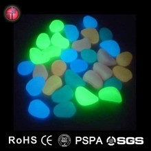Glow in the dark Beauty pebble stone cheap garden stepping stones
