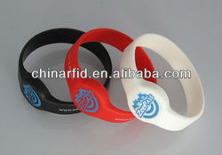 Customized Logo Printing RFID Silicone Bracelet for High End Event