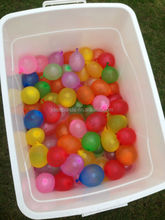100 balloons one minute bunch into o balloons water bomb