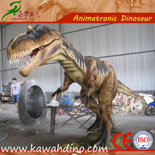Parque interactivo realista figura del dinosaurio en modo de control traga monedas