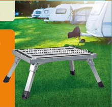 Kleiner Schritt für camping, freizeitprodukte. Klappbank/Treppe, grill/Grill verwenden