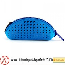 Hollowed out Round pouch Felt Cosmetics Case