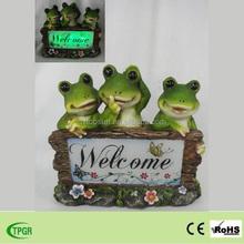 Polyresin frog solar light courtyard lamp for garden ornaments