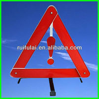 emergency warning triangle distance from car