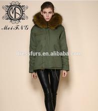 piel de invierno ropa real de piel de mapache con capucha de algodón de corte ejército shell verde faux mujeres forro