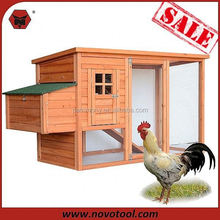 small hen house with ramp