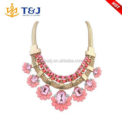 Wholesale Women Fashion Choker Jewelry Heavy Gold Chain Artificial Acrylic Flower Necklace