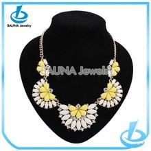 Fashion hot sale choker hula necklace yellow semi-flower resin choker necklace