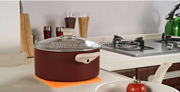 10pcs-Kitchen-silicone-mat-pot-holder-hot-insulation-pad-Insulation-Silicone-Table-Mat-Anti-slip-Placemat.jpg