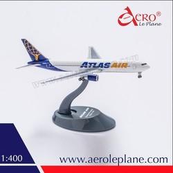 Boeing 767 300ER 1:400 Atlas Air Diecast Factory Price One Piece Landing Gears Passenger Plane Souvenir Metal Aircraft Model