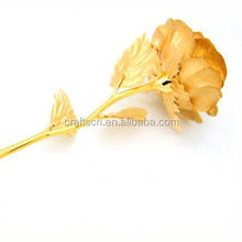 Golden rose as wedding gifts for guests