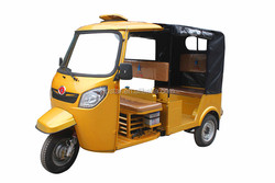 2015 year high quality bajaj passenger's tricylcemade in china