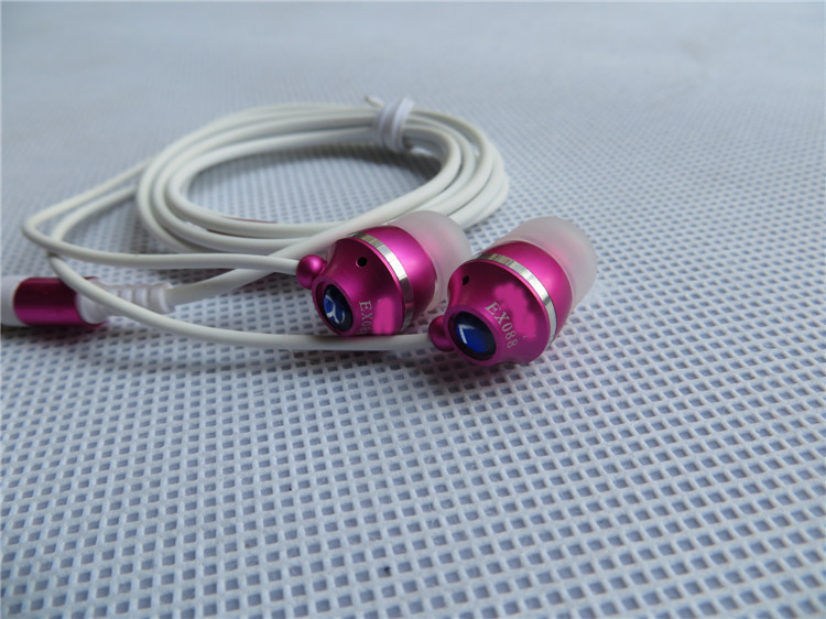 Metal 3.5 MM Subwoofer Stereo,EX088 metal in-earphone,send silicone sleeve send skins, noise reduction earphone, free shipping
