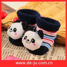 hotsale 100 colorido de algodón para niños la resistencia al deslizamiento del calcetín de china zapatos de bebé calcetín