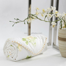 The Chinese characteristic, floral design 100% mulberry Silk quilt/comforter (Fill 0.8kg)