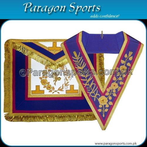 marchio Grand rango grembiule pieno abito e collare