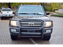 Used LHD SUV Toyota Land Cruiser V8 2008