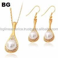 Latest Design Hot Sale 18K Gold Filled Imitation Pearl Earrings Set Jewelry Set