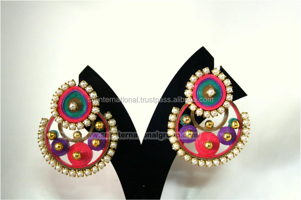 rouge et couleur or avec des perles de pierre fournisseur