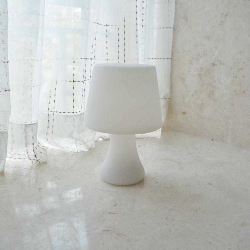 Nuovo classico lampada da tavolo a led cordless di design - Cordless di design ...