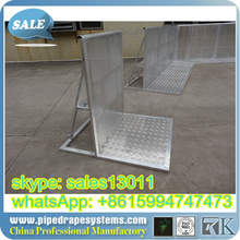 factory galvanized/powder coated temporary fence/crowd barrier/barricade for security