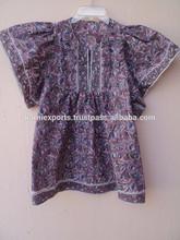 Nuevo diseño hermoso del patrón floral púrpura bloque de la mano del impreso túnica blusas y superior de para las muchachas