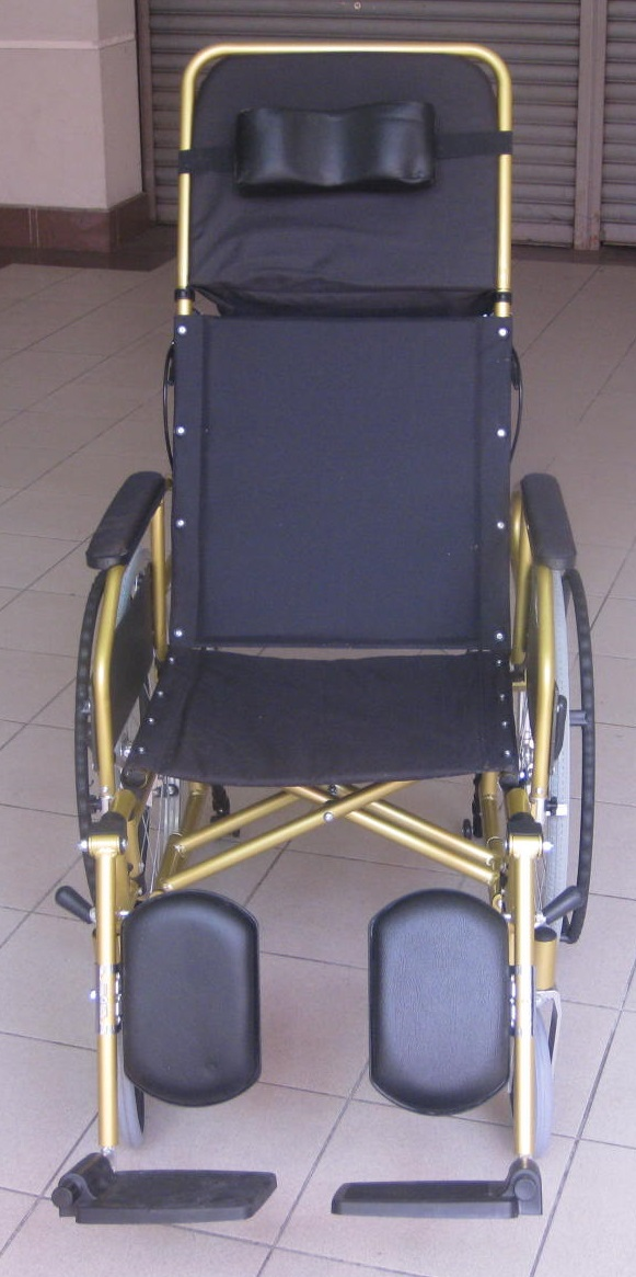 Reclining lightweight wheelchair p3