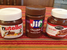 High Quality Chocolate of pillowy box nutella chocolate ferrero/M&M/kinder chocolate for sale.3