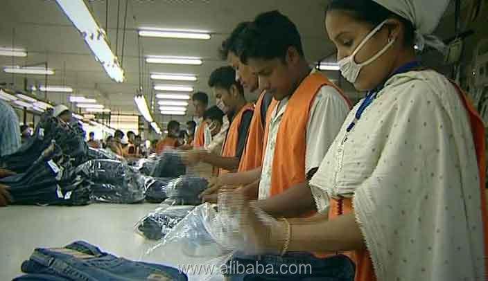 Nova atividade preto T-camisa de manga curta para as mulheres por atacado & mais recente projeto 2016 de Bangladesh e fabricante