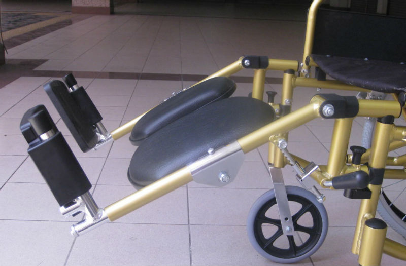 Reclining lightweight wheelchair p12