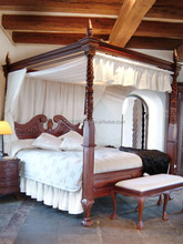 Chippendale canopy bed in solid wood